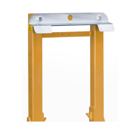 Hydraulic load clamp with bin holder